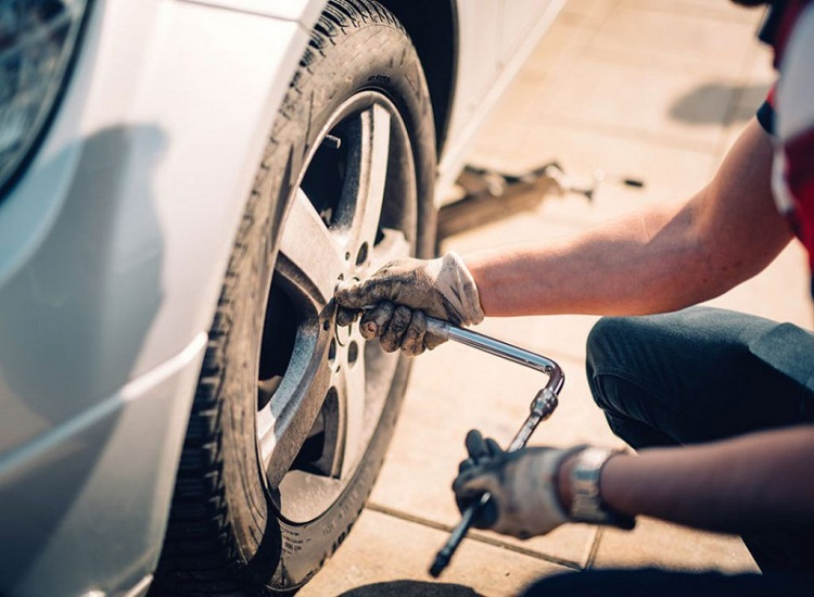 Know When to Get New Automotive Tires From the Fix-it Shop in Wilmot